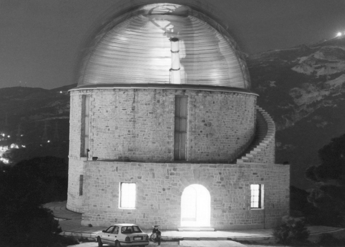The impressive marble building of the Newall telescope